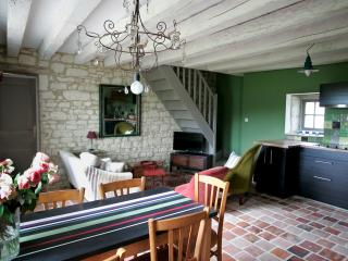 2 bedroom Gite with Internet Access in Loches - Loches vacation rentals
