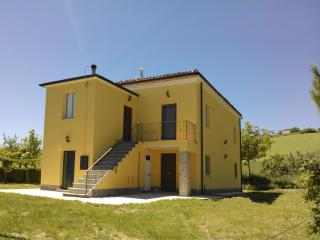 COUNTRY HOME IN ITALY - NEAR MOUNTAINS AND SEA - Castellalto vacation rentals