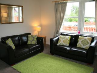Comfortable Cottage with Deck and Internet Access - Aviemore vacation rentals