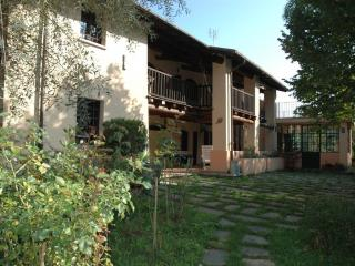 Dimora tipica immersa nel verde - Cuneo vacation rentals