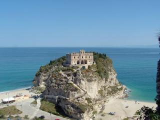 Villa Panthea casa vacanze 1 - Capo Vaticano vacation rentals