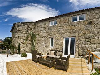 3 bedroom Cottage with Internet Access in Ponte da Barca - Ponte da Barca vacation rentals