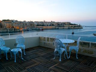 SallyPortSenglea serviced suite and Valletta Views - Senglea vacation rentals