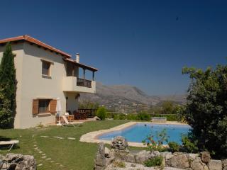Charming 3 bedroom Pendamodi Villa with Internet Access - Pendamodi vacation rentals