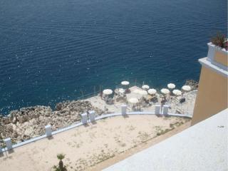 Sul mare - Balneazione privata - adiacente terme - Santa Cesarea Terme vacation rentals