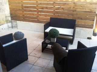 Nice Townhouse with Internet Access and Central Heating - Coutras vacation rentals