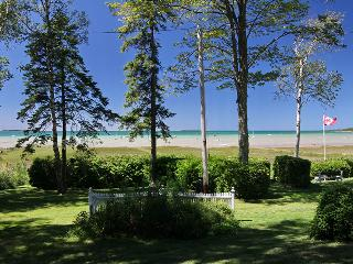 The Peacock cottage (#404) - Sauble Beach vacation rentals