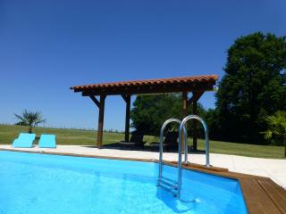 Nice Barn with Deck and Internet Access - Les Salles Lavauguyon vacation rentals
