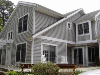 Private End Unit in Tashmoo Woods 116936 - Vineyard Haven vacation rentals