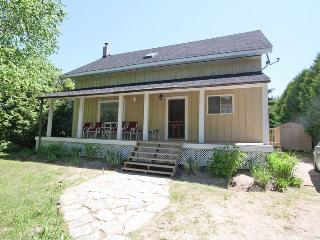 Perfect 4 bedroom Cottage in Sauble Beach - Sauble Beach vacation rentals
