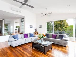 HILLTOP SERENITY - Victoria vacation rentals