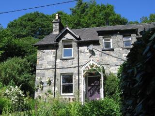 2 bedroom Cottage with Satellite Or Cable TV in Betws-y-Coed - Betws-y-Coed vacation rentals