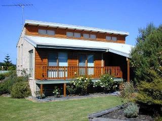 Cozy 3 bedroom Vacation Rental in Apollo Bay - Apollo Bay vacation rentals