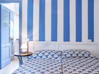 Casa la Viola Blu Camera Azzurra - Como vacation rentals