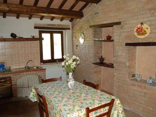 13 bedroom House with Internet Access in Sarnano - Sarnano vacation rentals