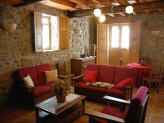 Charming Northern Portugal vacation Cottage with Internet Access - Northern Portugal vacation rentals