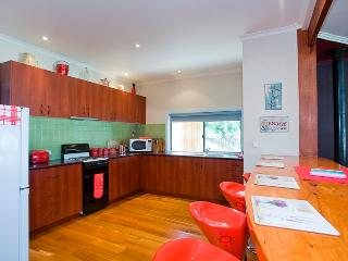 RETRO RETREAT - Victoria vacation rentals