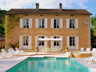 Le Seguinet - Manor house & Millers cottage, heated pool, 17 acres with lake - Fumel vacation rentals