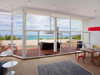 CERULEAN ON THE BEACH - Victoria vacation rentals