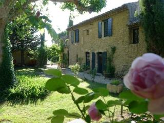 Romantic 1 bedroom Bed and Breakfast in Cheval-Blanc - Cheval-Blanc vacation rentals