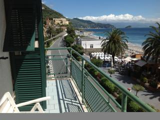 Charming Apartment in Noli with Internet Access, sleeps 9 - Noli vacation rentals