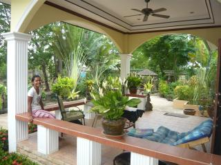 Beautiful Bungalow with Parking and A/C - Noen Sa-nga vacation rentals