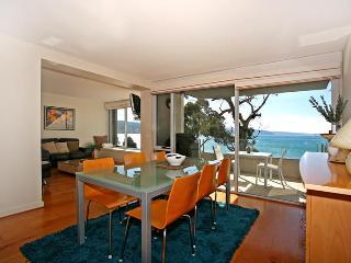 Comfortable Lorne Condo rental with A/C - Lorne vacation rentals