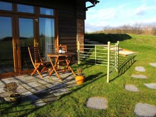 Perfect 1 bedroom Shorwell Barn with Internet Access - Shorwell vacation rentals