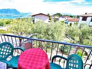 A/2 One-Bedroom Apartment Lake View Balcony 4 Pers - Manerba del Garda vacation rentals