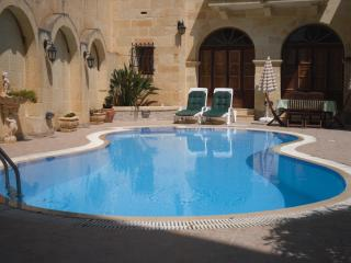 Ta' Mananni - Qala vacation rentals