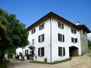Charming B&B with Short Breaks Allowed and High Chair in Gardone Riviera - Gardone Riviera vacation rentals