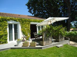 Nice House with Internet Access and Boat Available - Port-Saint-Père vacation rentals