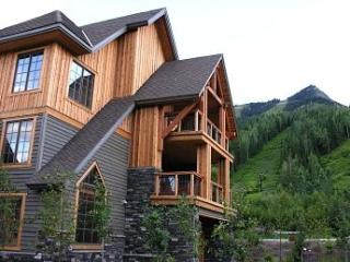 Ridgeview Chalet - Golden vacation rentals