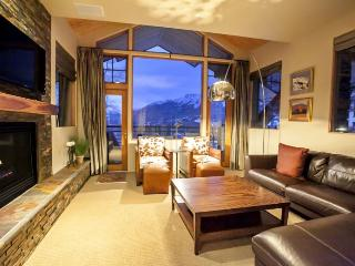 Granita 204 - 3 Bd / 3 Ba - Sleeps 6 - Luxury Condo - True Ski In Ski Out - Ideal Mountain Village Core Location at the top of L - Mountain Village vacation rentals