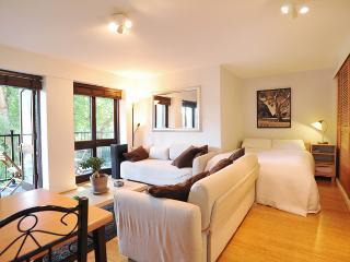 Stylish Central London Flat Near Tower Bridge - London vacation rentals