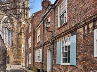 Outstanding 18th C. townhouse next to York Minster - York vacation rentals