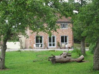 1 bedroom Cottage with Internet Access in Wotton-under-Edge - Wotton-under-Edge vacation rentals