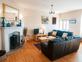Perfect Apartment in Roundstone with Internet Access, sleeps 4 - Roundstone vacation rentals