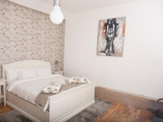 CHARMING LUXURY CITY CENTRE STUDIO U - OLD TOWN - Bucharest vacation rentals