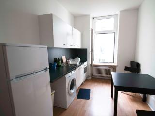 Nice room in Artist apt BERLIN - Berlin vacation rentals