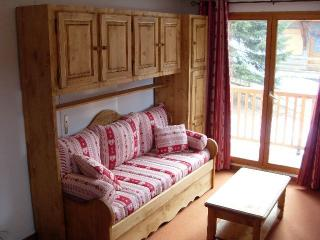 Nice Condo with Television and DVD Player - Valfrejus vacation rentals