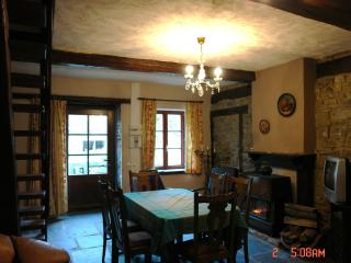 Cozy 2 bedroom Vireux-Wallerand Gite with Internet Access - Vireux-Wallerand vacation rentals