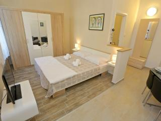 Studio apartment on the beach Kolovare - Zadar vacation rentals