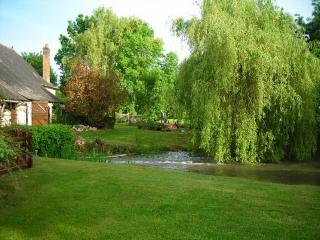 2 bedroom Watermill with Internet Access in La Chartre Sur Le Loir - La Chartre Sur Le Loir vacation rentals
