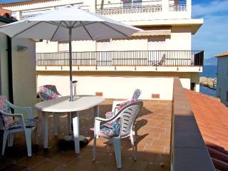 Costabravaforrent Farina 3, up to 4, 50m to beach - L'Escala vacation rentals