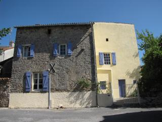 Lovely 3 bedroom Cottage in Chateauponsac - Chateauponsac vacation rentals