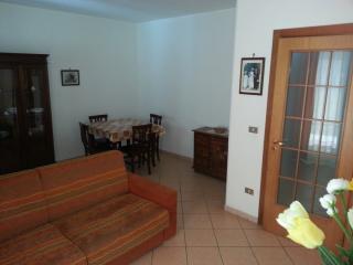OTRANTO trilocale DIANA 4 posti con giardino e box - Otranto vacation rentals