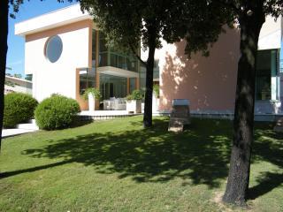 4 bedroom Villa with Internet Access in Capoterra - Capoterra vacation rentals