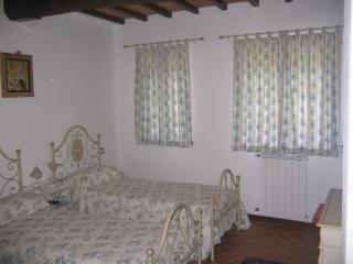 Cozy 3 bedroom Pescia House with High Chair - Pescia vacation rentals