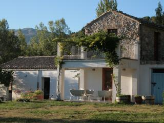 Gorgeous 3 bedroom Farmhouse Barn in Polizzi Generosa with Internet Access - Polizzi Generosa vacation rentals